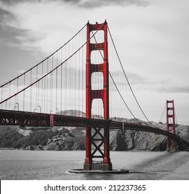 The golden gate bridge on black and white