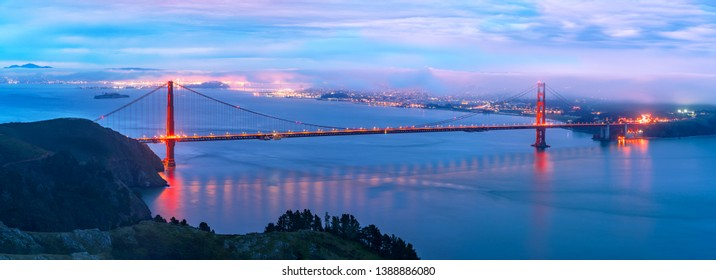 Golden gate bridge panorama at sunrise