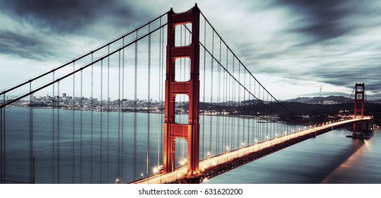 Golden Gate Bridge panoramic.