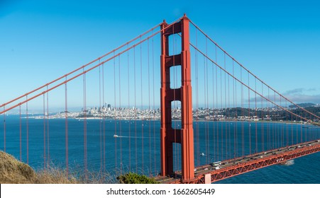 Golden gate bridge spanning across the San Francisco Bay on a nice sunny summer afternoon