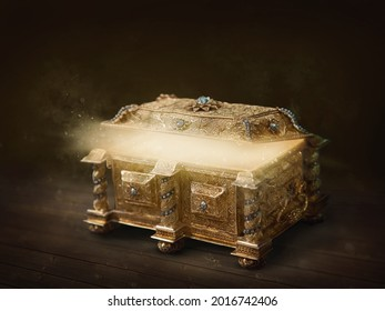 Goldener offener Kasten mit dunklem Hintergrund