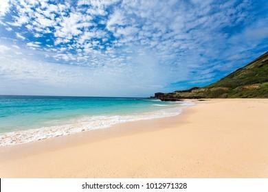 Golden sand of Sandy beach, O'ahu, Hawaii