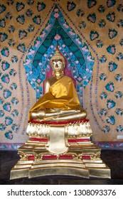 Golden Sculpture Spirit Buddha around the Church of Wat Arun.