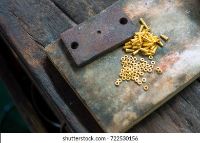 Goldsmith makes gold necklace and jewelry. part of gold necklace