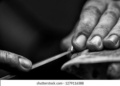 Goldsmith's hands at work