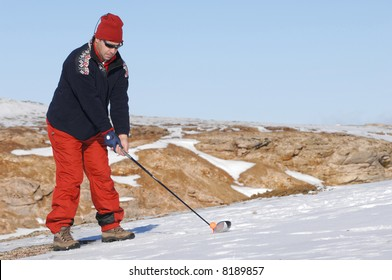 golf player in a golf snow game