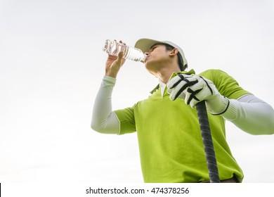 Golfer drink fresh water