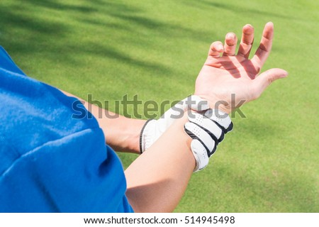 Golfer wrist pain during