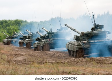 Goncharovsk, Ukraine - 7 September 2013. Column Ukrainian main battle tanks T-64BV on the march
