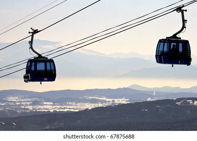 Gondola cable car for skiers and snowboarders