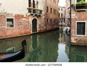 Gondola Canal and Architecture