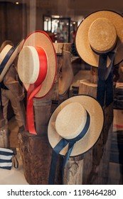 Gondolier hats - Shop for gondoliers in Venice, Italy