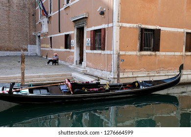 Gondolier is resting, Gondoliers are sleeping Venice, Italy 25.09.2017