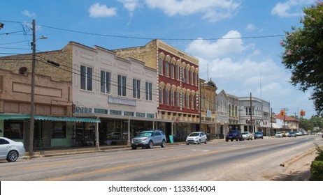 GONZALES, TEXAS - JUNE 10 2018: small town Texas with mostly empty stores