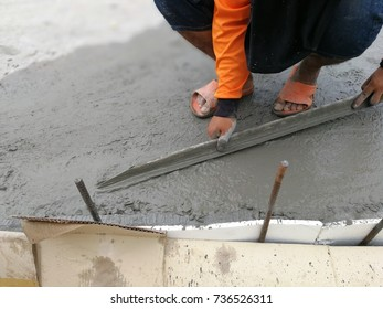 Good concrete concrete contractors are paying attention to the new concrete floor.