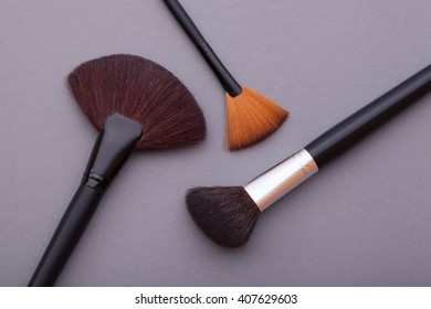 It is a good idea for cosmetics advertising.