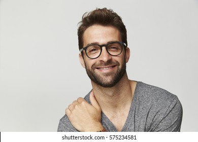 c13b6533df4 Good looking guy in grey top and glasses
