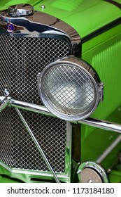 GOODWOOD, WEST SUSSEX/UK - SEPTEMBER 14 : Close-up oa a Talbot vintage car at Goodwood West Sussex on September 14, 2012
