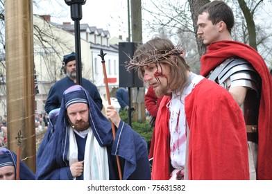 GORA KALWARIA - APRIL 17: Actors reenact the trial of Jesus in praetorium before Pontius Pilate, during the street performances Mystery of the Passion on April 17, 2011 in Gora Kalwaria, Poland.