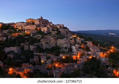 Gordes at night