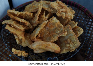 gorengan or mendoan is one of the most favorite snack of indonesian people - soy fried snack
