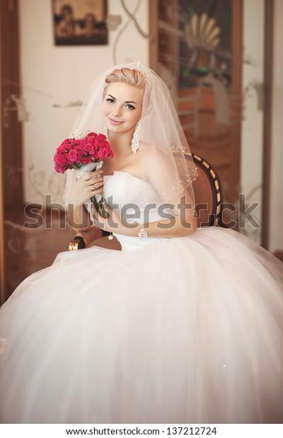 Gorgeous Bride Blonde Wedding Bouquet Makeup Stock Photo Edit Now