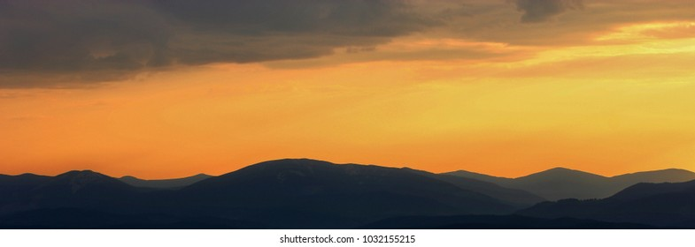 gorgeous European scene, gold light of eveneng twilight, spectacular mountains image, wonderful world, Europe, Carpathians, wallpaper background landscape