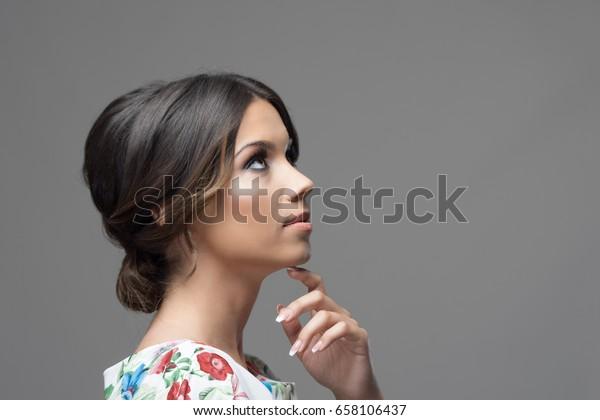 https://image.shutterstock.com/image-photo/gorgeous-profile-latin-hispanic-beauty-600w-658106437.jpg