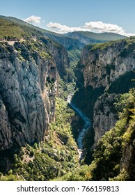 Gorges du Verdon (canyon of Verdon) Rive Droit (left side),  Provence-Alpes-Cote d'Azure, France