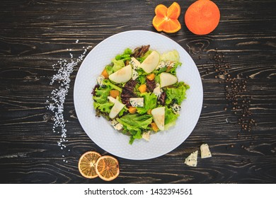 Gorgonzola salad with gorgonzola cheese