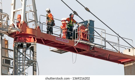 Gosford, New South Wales, Australia - April  9, 2019:  The disassembly of a tower crane from new home units building construction site at 47 Beane St.  Update ed302.