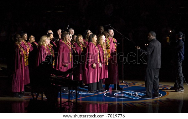 Gospel choir sings anthems at Halifax Rainmen inaugural vs. Boston Blizzard (Nov 15, 2007)