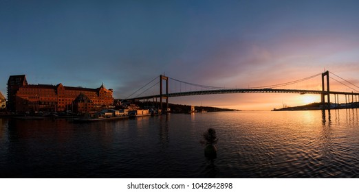 "Gothenburg skyline with the well known suspension bridge named ""Älvsborgsbron"","