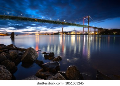 Gothenburg, Sweden - 28 October 2019. One of the most famous bridge of Gothenburg, called Älvsborgsbron, photographed during a the evening.