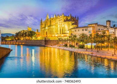 The gothic Cathedral and medieval La Seu in Palma de Mallorca islands, Spain