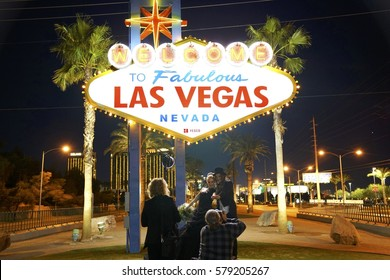 The gothic couple getting married in Las Vegas - January 2017