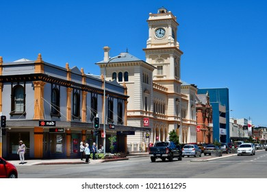 GOULBORN, NSW, AUSTRALIA - NOVEMBER 01: Unidentified people, cars, post office, old town hall and other buildings on main street, on November 01, 2017 in Golbourn, Australia