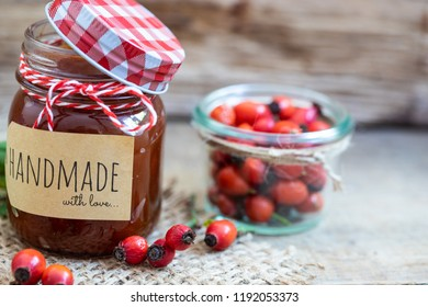 Gourmet jam from rose hips