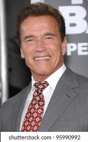 """Gov. ARNOLD SCHWARZENEGGER at the world premiere of """"Rocky Balboa"""" at the Grauman's Chinese Theatre, Hollywood. December 13, 2006  Los Angeles, CA Picture: Paul Smith / Featureflash"""