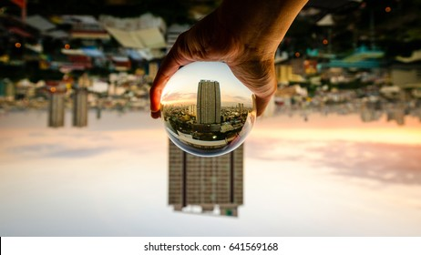 Grabbing the City in crystal ball