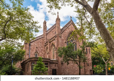 Grace Church Brooklyn Heights is located in Brooklyn Height. This was cited as NYC landmark building and  noted the most mature Gothic designs in NYC.