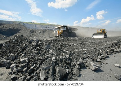 grader to level the road, Russia, Kuzbass, mining