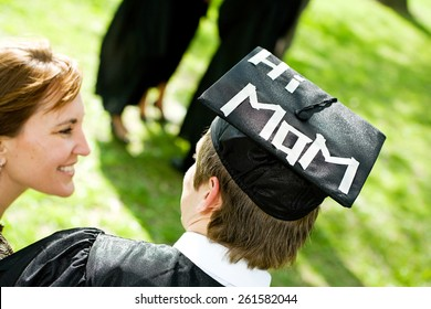 Graduation: Student With Funny Statement on Hat For Mom