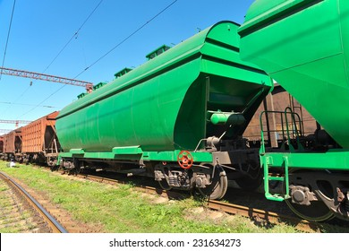 Grain hoppers on the railway track