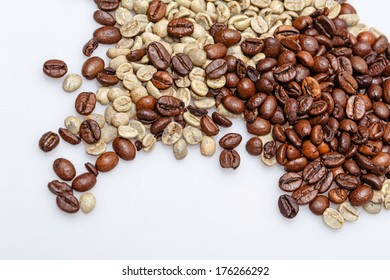 Grain roasted green and black coffee photographed closeup background