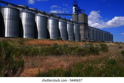 Grain storage and process facility in Osgood Idaho