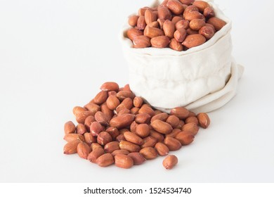 Grains of peanuts in the bag