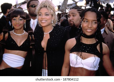 Grammy Awards, TLC Rozonda Chili Thomas, Tionne T-Boz Watkins, and Lisa Left Eye Lopes, 1990's