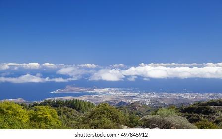 Gran Canaria, hiking path Cruz de Tejeda - Teror, view towards Las Palmas in far distance