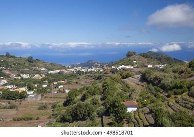Gran Canaria, hiking path Cruz de Tejeda - Teror, view towards hill village Valleseco